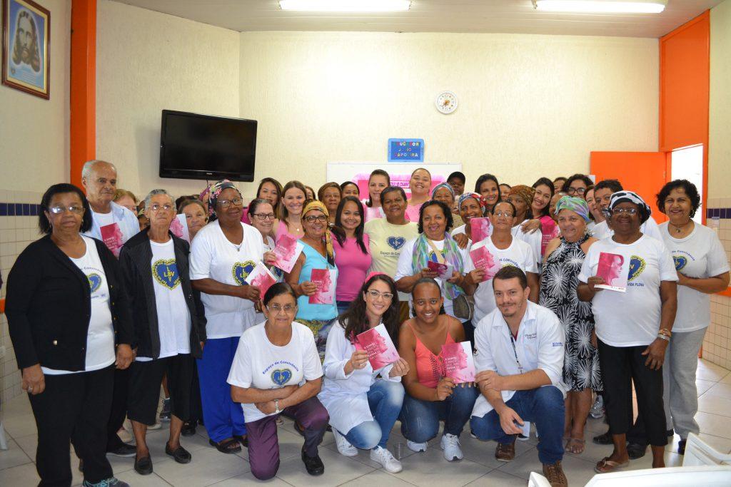 LBV - No dia 18/10, a Instituição promoveu uma palestra de conscientização e prevenção do câncer de mama para os idosos atendidos no programa Vida Plena, desenvolvido em seu Centro Comunitário de Assistência Social, na capital mineira. A iniciativa contou com o apoio da Faculdade de Minas – FAMINAS-BH.