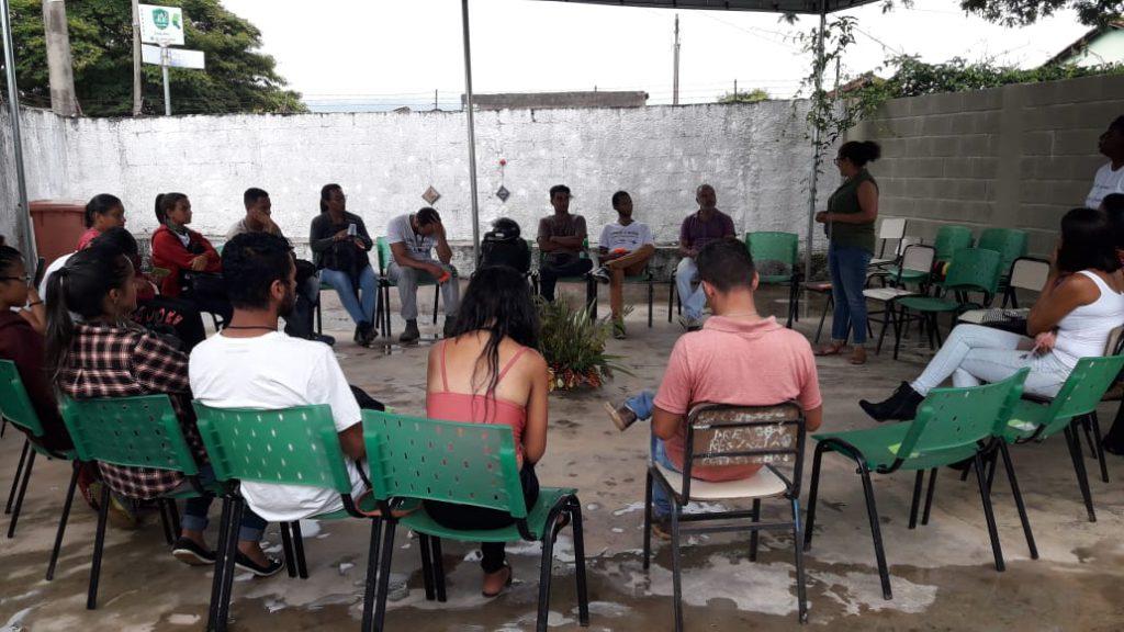 Cuidando do cuidador - realizado com os agentes da vigilância, no NUPIC, em Brumadinho. Os agentes relataram a importância daquele momento dedicado a eles.